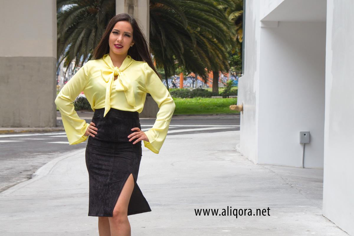 3dfc040f93d3 Falda lápiz con apertura frontal y blusa amarilla – aliqora moda