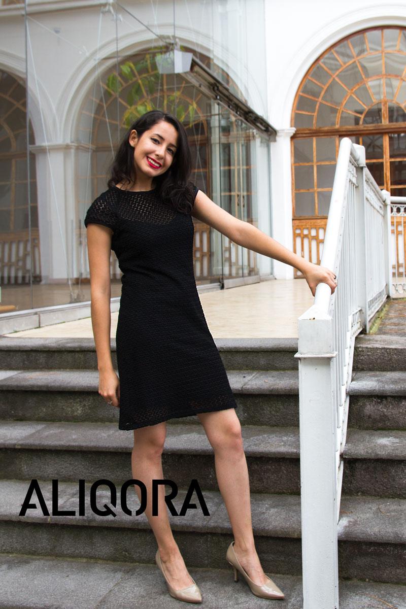Dorado o plateado para vestido negro